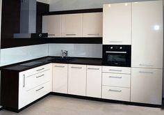 Угловой глянцевый кухонный гарнитур в Москве - #контрастная #кухня