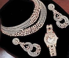 Diamond Necklace Designs In Malabar Gold so Malabar Gold Simple Diamond Necklace Designs With Price each Jewelry Spelling Oxford Diamond Necklace Set, Diamond Bracelets, Diamond Jewelry, Gold Jewelry, Diamond Choker, Circle Necklace, Jewellery Box, Cartier Bracelet, Jewellery Sketches
