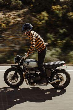 GLOSS BLACK // KNOX HELMET SET - The Equilibrialist Visors, Motorcycle Gear, Helmet, Old Things, Engine, Black, Hockey Helmet, Black People, Motor Engine