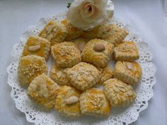 Unas deliciosas galletas de almendra , que su sabor recuerda a antaño!   Con Thermomix . Spanish Desserts, Sweet Recipes, Shrimp, Sweets, Meat, My Favorite Things, Food, Reyes, Portugal