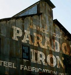 Advertising barn.  We need more of these.