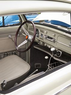 589. 1967 Beetle interior