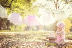 I love this for a baby girl birthday photo session idea! Cake smash session ♡ Child Photographyould do Tutus n camo for haley Baby Girl 1st Birthday, 1st Birthday Photos, Birthday Ideas, 3rd Birthday, Children Photography, Newborn Photography, Photography Props, Baby Pictures, Baby Photos