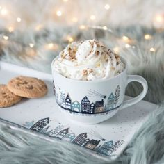 Cocoa Tea, Hot Chocolate Recipes, Porcelain Mugs, Christmas Aesthetic, Chocolate Coffee, Cute Mugs, Coffee Love, Hygge, Revanche