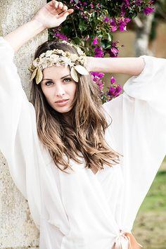 Bata corta de seda por Pol Nuñez #Lenceria #brides #modamujer