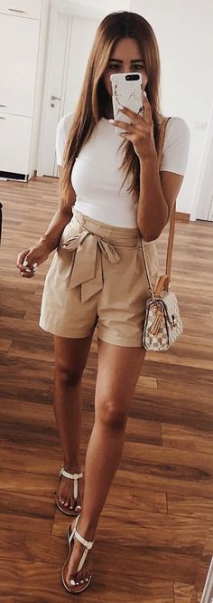 Life Is Better In Shorts ✨ Happy Sunny Dayssss? Life Is Better In Shorts ✨ Happy Sunny Dayssss? Short Outfits, Trendy Outfits, Fashion Outfits, Shorts Outfits For Teens, Fashion Clothes, Classy Shorts Outfits, Classy Outfits For Teens, Fashion Shoes, Dress Fashion