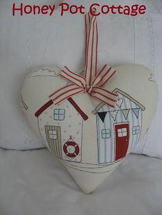 ♥ Large Heart made in Seaside Beach Hut