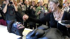 Swedish official cuts cake at exhibit about female circumcision in Africa.  Actor in blackface eats the cake from it's own body?  This brown guy is not surprised...the racism in Sweden is so obvious.  They call one of the trains that goes through town the BROWN LINE, because so many immigrants are on it.
