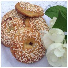 Gammeldags gräddkakor Fika, Bagel, Lchf, Tart, Bread, Goodies, Food And Drink, Dessert, Sweet
