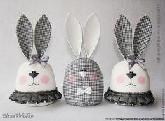 КУКЛЫ и ИГРУШКИ для взрослых и детей | VK Easter Egg Crafts, Bunny Crafts, Doll Crafts, Cute Crafts, Easter Bunny, Diy And Crafts, Romantic Gifts For Husband, Diy Lace Ribbon Flowers, Tilda Toy