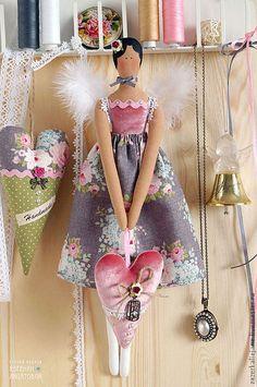 Куклы Тильды ручной работы. Ярмарка Мастеров - ручная работа Тильда Винтажный Ангел с бархатным сердцем. Handmade.