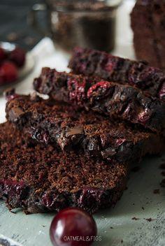 . To chyba najlepsze ciasto czekoladowe i zarazem ciasto z cukinii, jakie kiedykolwiek upiekłam! Ogólnie wolę lekkie, owocowe wypieki i desery, ale czasami mam ochotę na coś bardzo czekoladowo i…