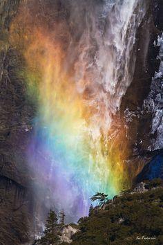 Yosemite Falls rainbow_full.jpg (3600×5400)