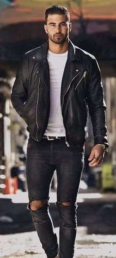 Minimal black and white combo with a white t-shirt black leather jacket black leather belt black ripped denim watch. Black Leather Jacket Outfit, Leather Jacket Styles, Leather Jacket Man, Men's Leather Jackets, Jacket Men, Fashion Mode, Mens Fashion, Fashion Wear, Fashion Rings