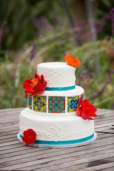 Exciting And Colourful Mexican Wedding Cake Ideas ❤︎ Wedding planning ideas & inspiration. Wedding dresses, decor, and lots more. Pretty Cakes, Beautiful Cakes, Amazing Cakes, Simply Beautiful, Mexican Birthday, Mexican Party, Mexican Cakes, Mexican Themed Weddings, Themed Wedding Cakes