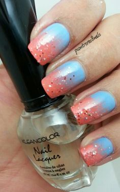 Hot and Cool Gradient http://pcontreras8nails.blogspot.com/2014/04/hot-and-cool-gradient.html