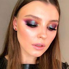 Makeup Revolution Blush & Contour palette All about Cream - Cute Makeup Guide Glam Makeup, Cute Makeup, Skin Makeup, Makeup Salon, Makeup Studio, Makeup Light, Dress Makeup, Makeup Geek, Makeup Addict