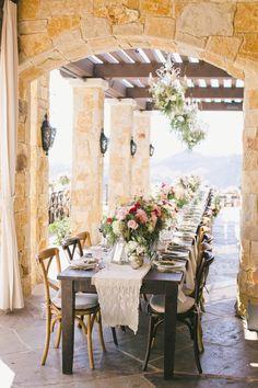 wedding reception idea; photo: onelove photography