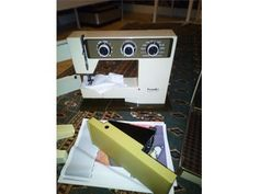 En fin fungerande Hugin symaskin modell 3010(Tillv. Husqvarna) Husqvarna, Electronics, Phone, Model, Telephone, Phones