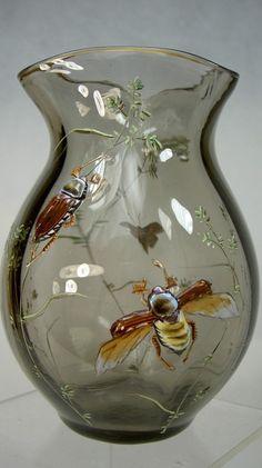 Vends splendide vase émaillé d'époque 1900, Production Emile Gallé à Nancy, à magnifique décor d'insectes en relief et branches très fines.