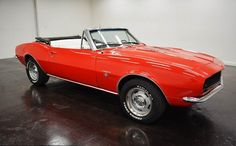 1967 Chevrolet Camaro RS Convertible 4 Speed; with 2 doors and 4 speed manual transmission, white color inside and red outside of 51,469,000 and a 327 V8 engine with 15-inch wheels; Wine used: 123677N115989 and nméros are not matched.   This vehicle is available for sale, contact us on: www.misterdeals.com / or call us on: 08-05-08-02-81 if you are interested in this vehicle.   Our prices are: 30.499 euros