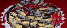 Pudinkové slzičky s mandlovým krémem Mini Cheesecakes, Dessert Recipes, Desserts, Christmas Cookies, Waffles, Sweet Tooth, Pie, Breakfast, Food
