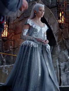 The Huntsman: Emily Blunt Costume