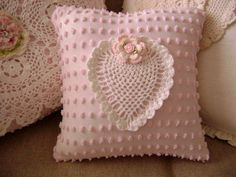 Vintage Chenille - Pillow Sweet Vintage by TWFaith❤ Vintage Chenille 'SWEET HEART' Pillow - Sweet Vintage Pink Chenille and White Crocheted Heart Doily - Decorator Pillow Insert Included use chenille bedspread as main material and get contrast material Shabby Chic Desk, Shabby Chic Pillows, Shabby Chic Homes, Chic Bedding, Decoration Shabby, Decoration Bedroom, Wall Decor, Chenille Crafts, Chenille Bedspread