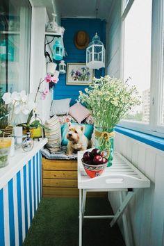 20 seriously creative design ideas for making a small balcony… Small Balcony Design, Small Balcony Decor, Balcony Ideas, Tiny Balcony, European Apartment, Apartment Balconies, Cozy Place, Balcony Garden, Herb Garden