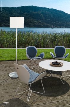 The reduced design and streamlined shape perfectly integrates into your terrace or garden landscape. Outdoor Furniture Sets, Outdoor Decor, Garden Landscaping, Terrace, The Outsiders, Solar, Shapes, Urban, Pure Products