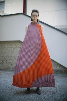 Live Fashion, Paris Fashion, New Fashion, Runway Fashion, Fashion News, Fashion Beauty, Autumn Fashion, Fashion Looks, Fashion Trends