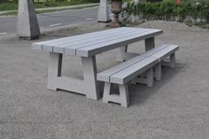 houten tuintafel, eiken tafel, designtafel eiken, designtafel, eikenhouten tafel, eiken eettafel, tafel op maat, eiken tafel met schuine poten, eiken tafel op maat, eettafel