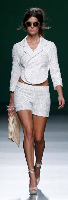 Devota & Lomba Spring 2014 Collection featured during Mercedes-Benz Fashion Week Madrid Diva Fashion, Couture Fashion, Fashion News, Runway Fashion, Fashion Show, Street Fashion, White Fashion, Unique Fashion, Beautiful Outfits