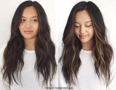 Super Hair Highlights At Home Natural Ideas Face Frame Highlights, Dark Hair With Highlights, Highlights Around Face, Hair Lights, Light Hair, Super Hair, Balayage Hair, Subtle Balayage Brunette, Dyed Hair