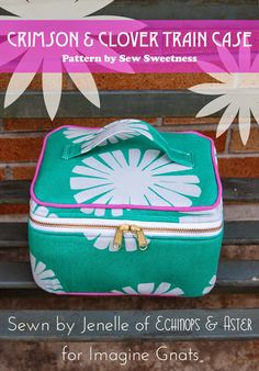 selfish sewing week: crimson and clover train case Sewing Hacks, Sewing Tutorials, Sewing Crafts, Sewing Projects, Bag Patterns To Sew, Sewing Patterns, Boite A Lunch, Train Case, Craft Bags
