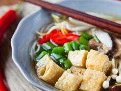 Tofu sauté aux noix de cajou Tofu, Mets, Kung Pao Chicken, Vegan Vegetarian, Recipies, Vegan Recipes, Chinese, Ethnic Recipes, Ramen Noodle Slaw