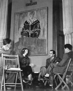 Violette de Mazia with students at the Barnes Foundation in Merion ( From the Collection of the Violette De Mazia Foundation )