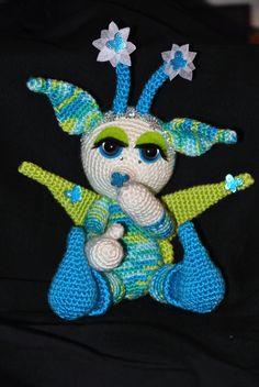 Gehaakt als mysterie project (project E). Zo'n leukerd, patroon van Crochessie.