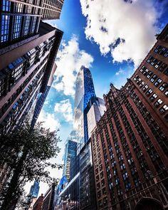 Sky tunnel by @pabl0camach0 #newyorkcityfeelings #nyc #newyork