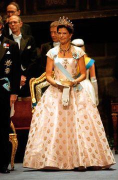 Royal Look, Royal Style, King Queen Princess, Sweden Fashion, Prix Nobel, Swedish Royalty, Queen Silvia, Danish Royal Family, Royal Dresses