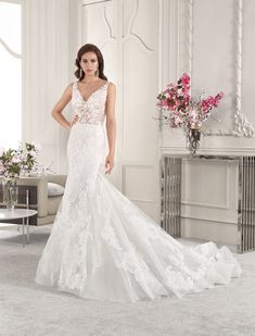 Demetrios - Wedding Dress Style 836 : Luxurious lace embellishes this glamorous fit n flare gown with V-neckline and low sheer back with accents of lace and button closure. Sexy Dresses, Beautiful Dresses, Fashion Dresses, Formal Dresses, Wedding Dress Styles, Designer Wedding Dresses, Bridal Gowns, Wedding Gowns, Evening Dresses For Weddings