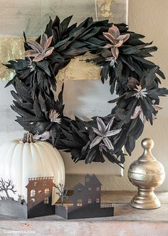 Lia Griffith: Handcraft Your Life DIY Halloween black crepe paper wreath Holidays Halloween, Fall Halloween, Halloween Crafts, Paper Halloween, Halloween Wreaths, Halloween Ideas, Diy Halloween Decorations, Diy Wreath, Holiday Wreaths