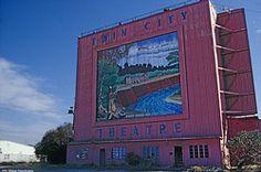credit: Rodrigo Estrada  Old Twin City Drive-In Theatre, Rosenberg, TX. Too bad it's not still around!