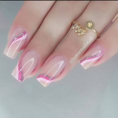 Pink Ombre Nails, Glitter Gel Nails, Pink Acrylic Nails, Sparkle Nails, Fancy Nails, Manicure Nail Designs, Heart Nail Designs, Nail Manicure, Stylish Nails