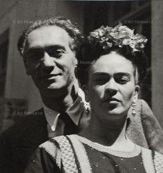 Nickolas Muray and Frida Kahlo.