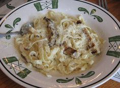 Make our Olive Garden Fettuccine Alfredo Restaurant Recipe at home tonight for your family. With our Secret Restaurant Recipe your Fettuccine Alfredo will taste just like Olive Garden's. Pasta Recipes, Dinner Recipes, Cooking Recipes, Dinner Ideas, Yummy Recipes, Banana Recipes, Cooking Tips, Italian Dishes, Italian Recipes