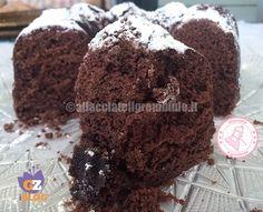 il ciambellone semplicissimo al cacao è una ricetta davvero semplice e velocissima per una torta che piace davvero a tutti.