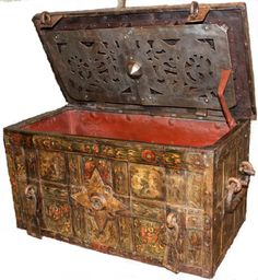 Armada chest - Stock - Moxhams Antiques