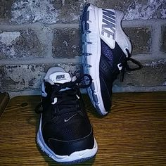 Nike Training Black/White/Gray Sneakers Pre-loved condition. Comfortable and stylish Nike Training sneakers. Black/White/Gray. Nike Shoes Sneakers