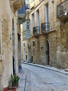 A lovely little lane-street in Birgu